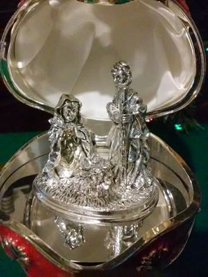 Silver Plated Nativity Egg, (Wallace Siversmiths Collectable Wind up Music Box 2002) for Sale in MIDDLEBRG HTS, OH