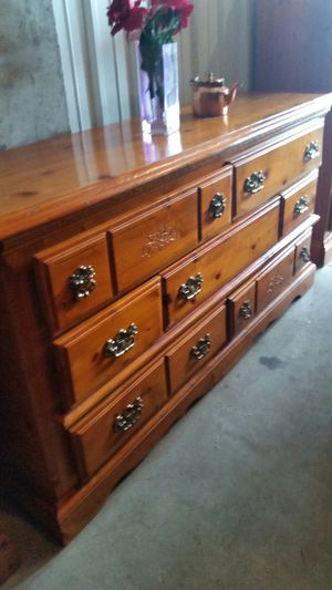 QUALITY SOLID WOOD BIG DRESSER 9 BIG DRAWERS ALL DRAWERS SLIDING SMOOTHLY for Sale in Fairfax, VA