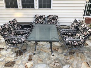 Sleek Patio Furniture (7 Pieces) for Sale in Springfield, VA