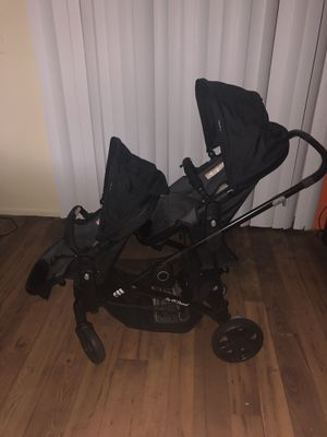 Baby trend sit n stand snap gear double stroller - tungsten for Sale in Lockhart, FL