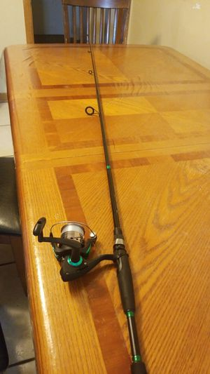 R2F performance series combo fishing rod for Sale in Palos Heights, IL