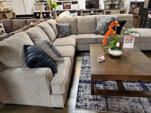Stylish Sectional Sofa (Ottoman/Coffee Table is not included) for Sale in Garden Grove, CA