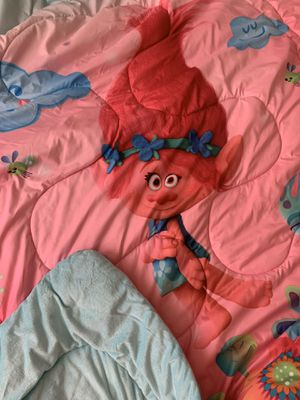 Twin Trolls- Poppy bed set with Poppy doll for Sale in Upland, CA