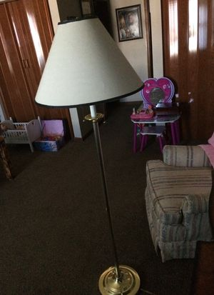 Pole lamp great condition for Sale in Richmond, KY