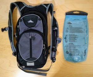 High Sierra Hydration Backpack Day Bag 2 Liter Bladder Need Mouthpiece for Sale in Los Angeles, CA