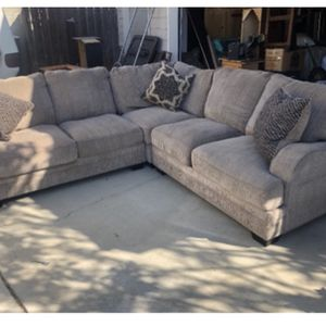 Sectional And Ottoman for Sale in Fresno, CA
