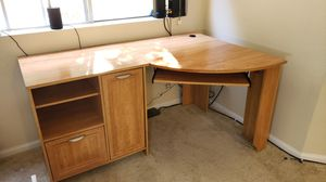 Computer Desk Good Condition for Sale in San Diego, CA