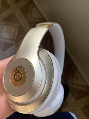 Beats studio 3 headphones $150 obo for Sale in Fresno, CA