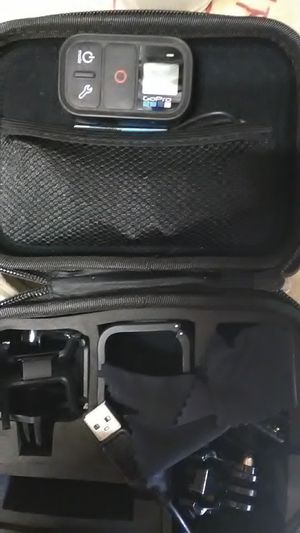(GoPro hero 4 session with remote for Sale in Ontario, CA