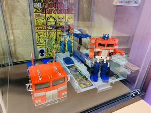 Transformers Action Figure Set with CGC Graded Comic Book for Sale in Los Angeles, CA