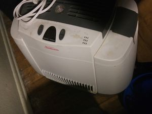 Sunbeam large humidifier for Sale in Arvada, CO