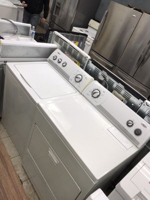 Whirlpool set washer & dryer for Sale in Detroit, MI