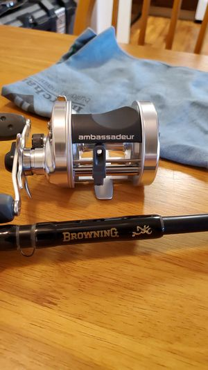 Abu García ambassador 6500s fishing reel paired with a browning rod for Sale in Chula Vista, CA
