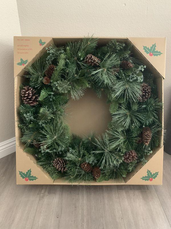 "32"" Christmas Wreath with LED Lights"