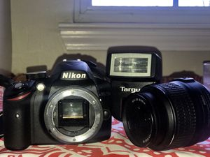 Nikon D3200 w lens, flash, battery, charger for Sale for sale  Dallas, GA