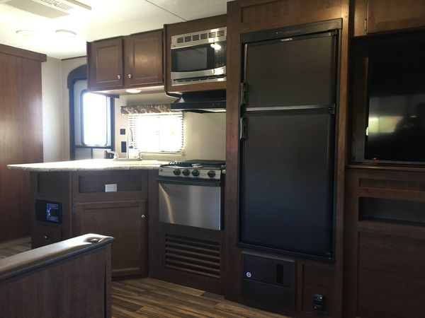 2018 keystone Hideout 28 BHS Bunk House