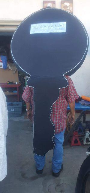 Disfras o traje o botarga para aser promoción de su negocio de llaves for Sale in E RNCHO DMNGZ, CA