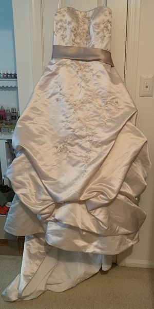 Beautiful Wedding Dress for Sale in Reston, VA