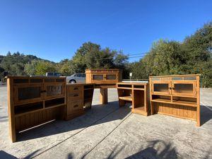Corner desk with hutch for Sale in Escondido, CA