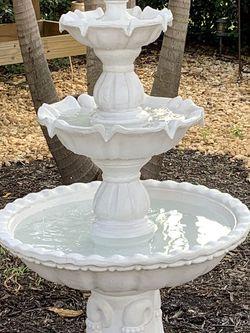 Sunnydale 3 Tier Fountain for Sale in Pompano Beach,  FL