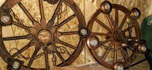 Wagon wheel chandilier for Sale in Pelzer, SC