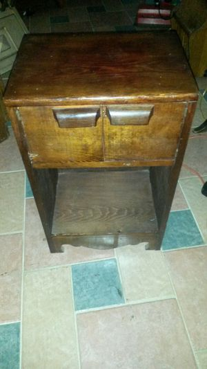 Gorgeous solid cherry wood end table or night stsnd for Sale in Silver Spring, MD