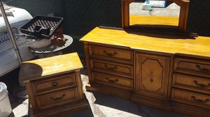 STANLEY Night stand, 9 drawers dresser with mirror for Sale in Los Angeles, CA