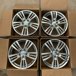 "OBO. infiniti g37 oem wheels 2011-2013 17"" silver With Tpms Sensors for Sale in Modesto, CA"
