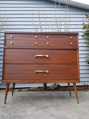Vintage mid century dresser for Sale in Vancouver, WA
