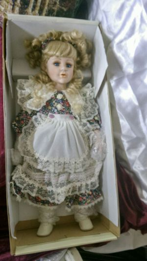 Tom rubel limited 5000 little sweethearts porcelain doll for Sale in Elk Grove, CA