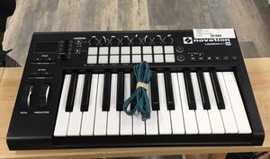 Novation Launchkey Mini MK2 Refurbished B2 Ableton 25-Key Keyboard Controller for Sale in Lynn, MA