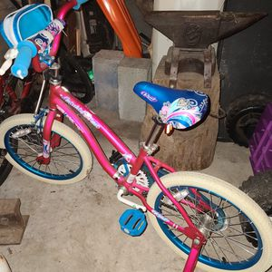 Little Girls Bike for Sale in Aberdeen, WA