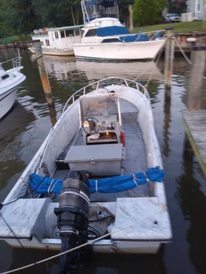1986 18ft cobia 90hp mercury center console for Sale in Lothian, MD