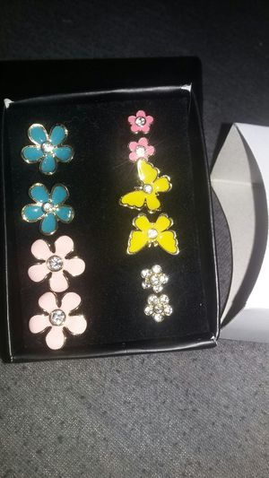 aretes for Sale in Fontana, CA