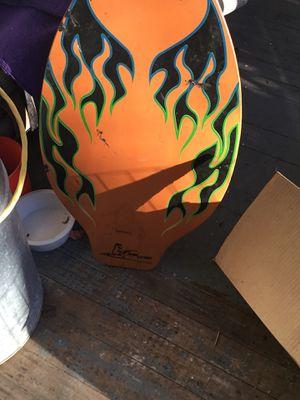 Skim Lizard Surfboard. Cool looking. Stand 20in wide, 40.5 high. Ebay 50 plus, OfferUP 25.00 for Sale in Shelton, CT