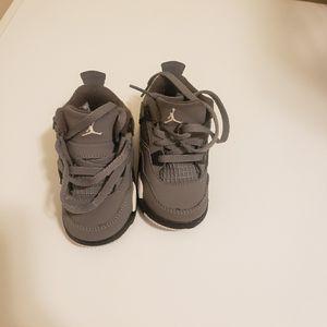 Toddler Retro Jordan 4 Cool Grey Size 4 for Sale in New Bern, NC
