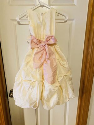 Girls Ivory Flower Girl Dress, Size 6 for Sale in Kenmore, WA