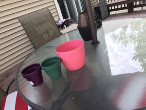 3 flower pots for Sale in Mentor, OH