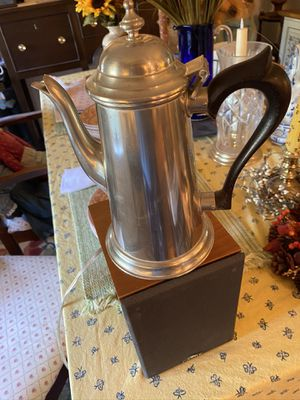 Colonial Williamsburg Stieff Pewter Teapot for Sale in Suffolk, VA
