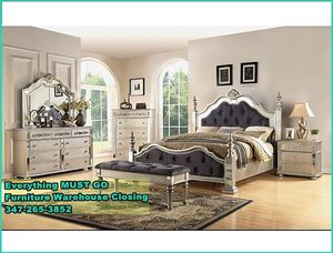 Beautiful bedroom set. Must Go for Sale in Queens, NY