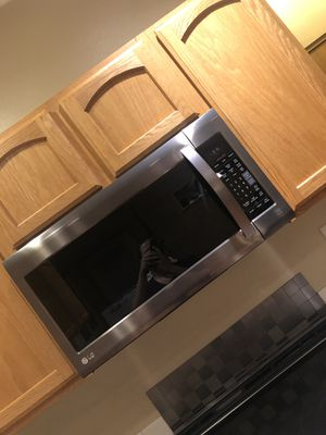 LG microwave for Sale in Parkland, WA