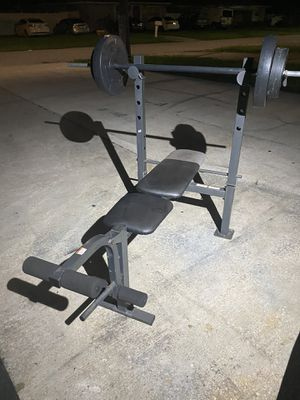 Weights bench with 100 pounds on weights for Sale in Tampa, FL