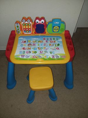 Vtech Touch and Learn Activity Desk Deluxe w/ 5 expansion packs for Sale in Lancaster, TX