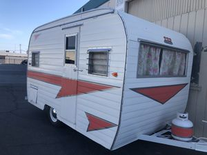 Vintage camping trailer guest room for Sale in Santa Ana, CA