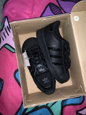 Adidas 6 in the half toddler girl shoe $35 for Sale in Ferndale, MI