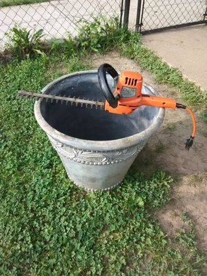 Black and Decker Electric Trimmer with Large Decorative Planting Pot for Sale in Washington, DC