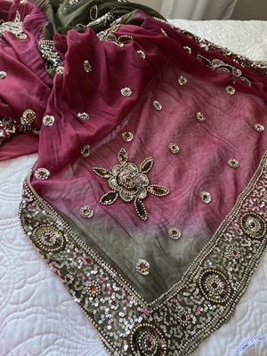 """Gorgeous chiffon & embroidered red & khaki Indian scarf/Shawl, vintage, 38"""" x 84"""", all embroidery intact for Sale in Henderson, NV"""