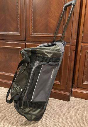 Eddie Bauer rolling duffle bag for Sale in Huntington, NY