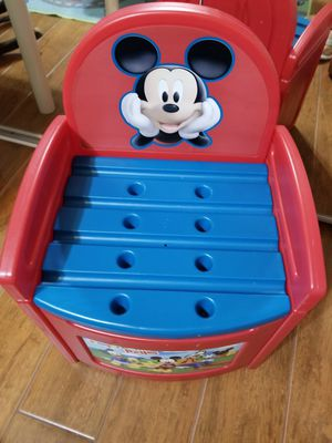 Mickey mouse club house toy chest. Storage box. Cajon para guardar juguetes for Sale in Sunrise, FL