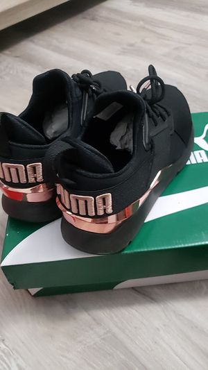 Puma women size 8 for Sale in Paramount, CA